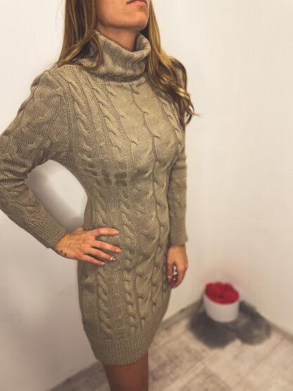 kötött garbó ruha-barna